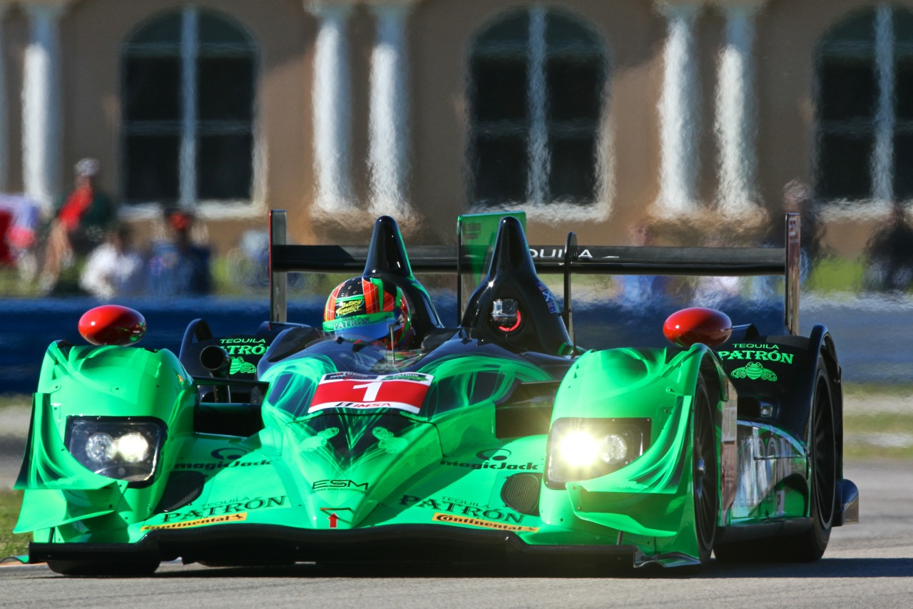 ESM Patrón Leads Sebring at Six Hour Mark